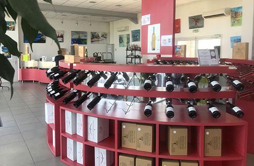 Les vins des vignerons Montagnac Domitienne sont en vente au caveau de Cournonsec
